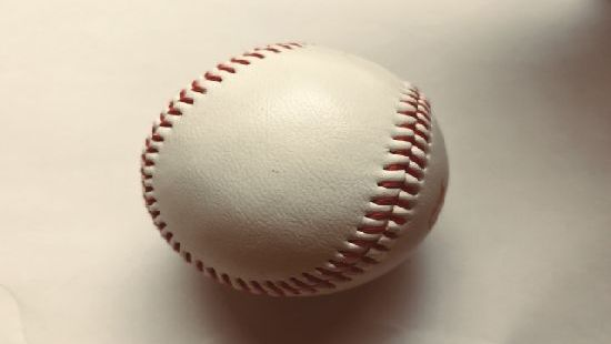 野球ボールの縫い目!なぜ108個?縫い方や向きも徹底解説!